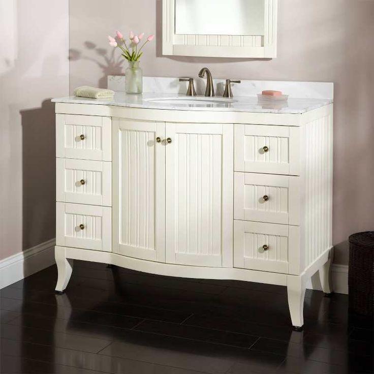 Best 25 Wooden Bathroom Vanity Ideas On Pinterest: 25+ Best Ideas About Antique Bathroom Vanities On