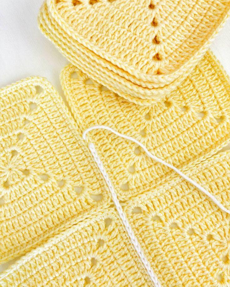 Sarı motiflerimi birleştireyim artık  #örgü#tigisi#tığişi#elisi#elişi#knit#knitting#knittersofinstagram#crochet#crocheting#crochetlover#crochetaddict#yarn#yarnaddict#battaniye#bebekbattaniyesi#blanket#babyblanket#örgübattaniye#sipariş