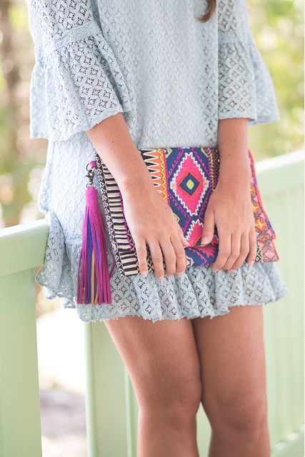 Leyre Benito con clutch étnico dayaday #dayadayapeople