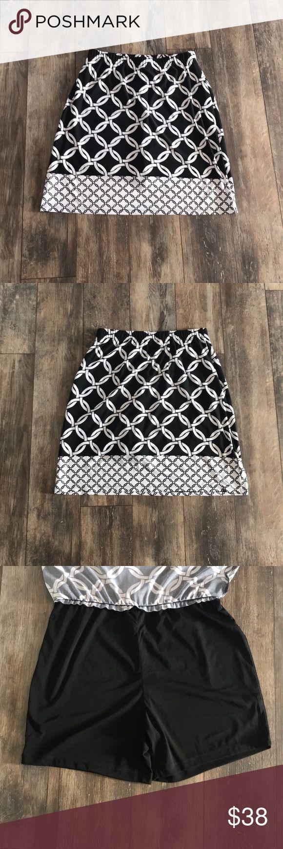 Susan Graver XXS Black & White Patterned Skort Susan Graver Size XXS 95% Polyester Black & White Patterned Skort Susan Graver Skirts