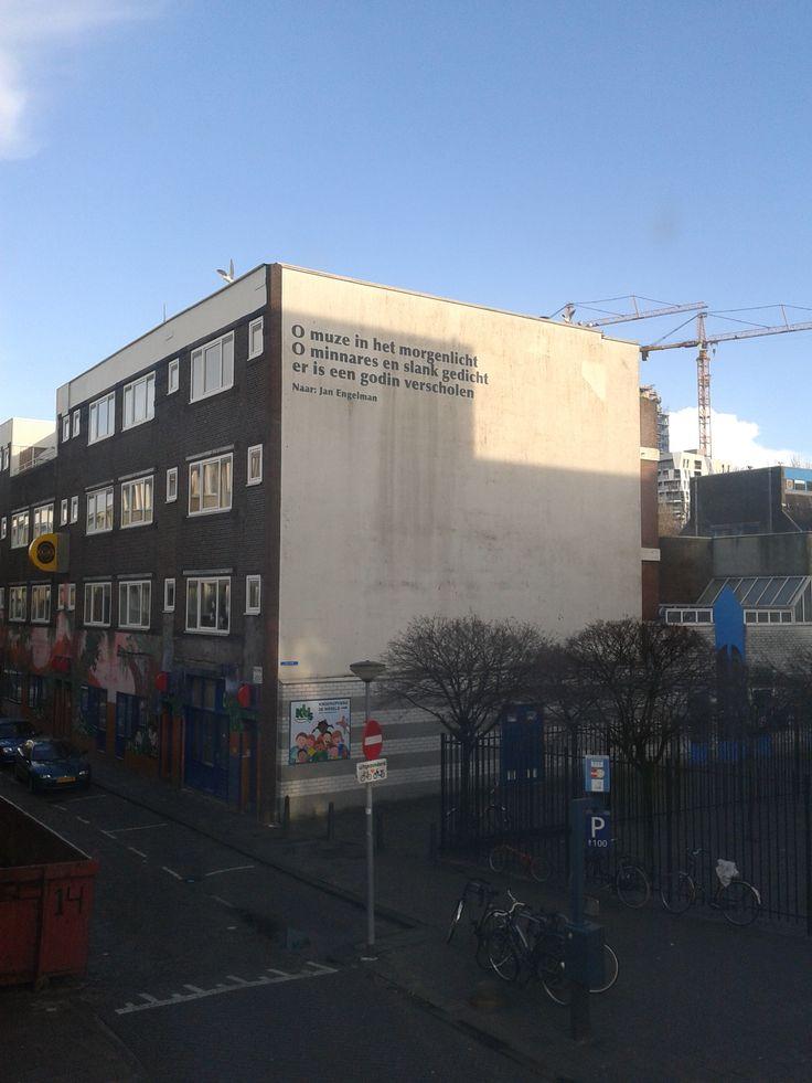 Poëzie op straat. Gouvernestraat, wijkpark Oude Westen, Gaffeldwarsstraat.