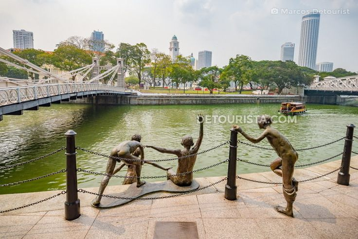 Where to go in Singapore? Check out these top tourist spots, best places to visit, must-see attractions, beautiful sights & more.