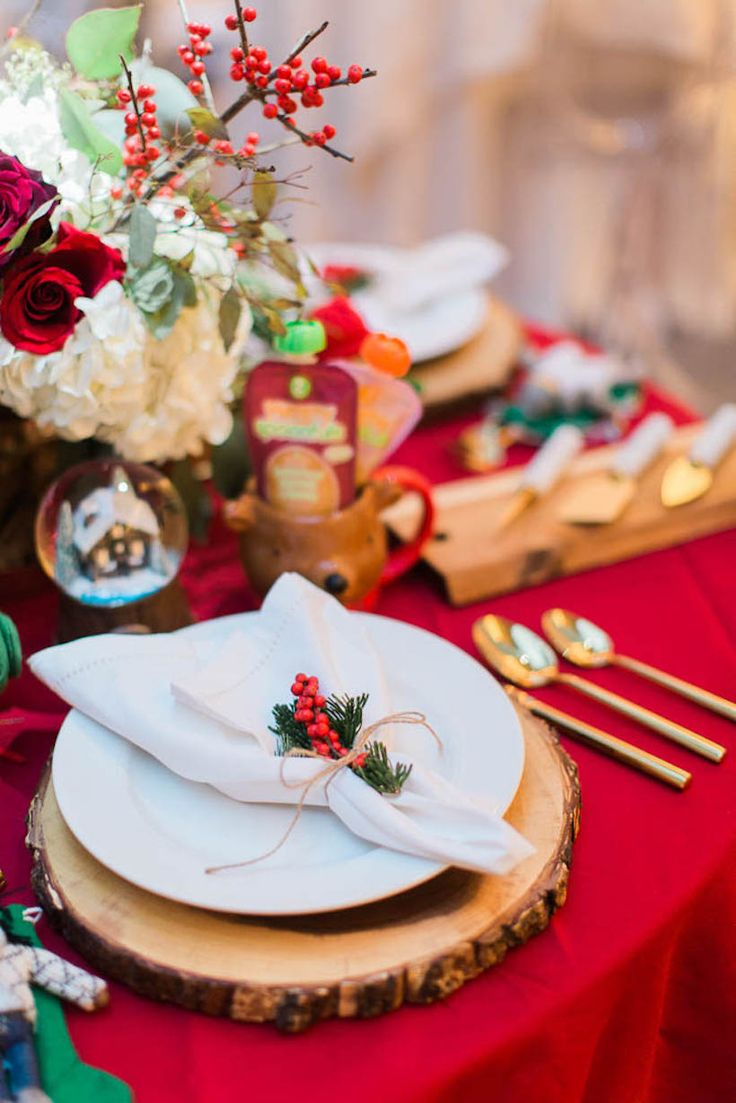Christmas dinner party table setting - Christmas Place Setting