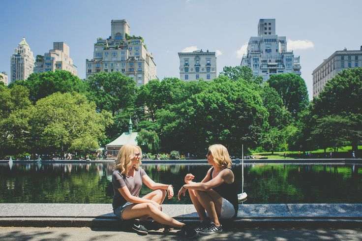 New York with your best friend? Travelshoot will be there to capture your best holiday moments!