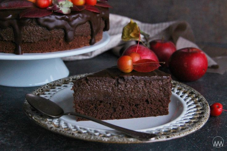 V kuchyni vždy otevřeno ...: Čokoládovo - jablečný moučník