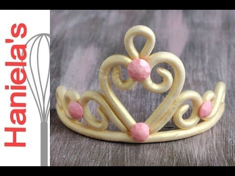 Make simple princess tiara from gumpaste. In this video I show you how to make an easy gumpaste tiara, perfect as a cake topper. FOLLOW ME : FACEBOOK - https...