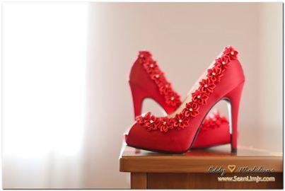 warna merah jarang jadik kasut pengantin kann