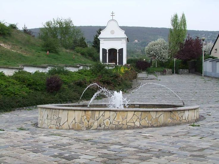 Kálvária domb a kápolnával