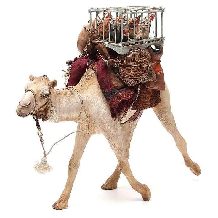 Camello con jaulas de gallinas Belén Angela Tripi 30 cm   venta online en HOLYART