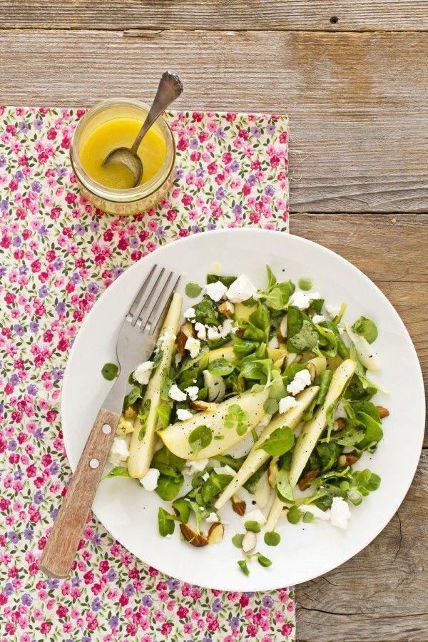 Insalata di pere e feta - Pear and feta salad. Tasty, quick and easy recipe. Translator is in the sidebar :)