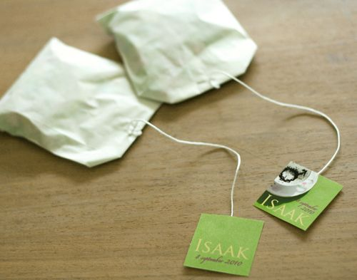 Teabags with candy for Isaac; theezakjes voor Isaak met snoepjes. Party favor..Tea party..