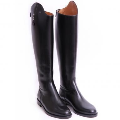 elegant and chic Gucci boots