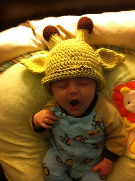 Giraffe Baby Beanie (Lindsay Ann Foil would kill someone over this!) YES SHE WOULDDDDDDDD!!!