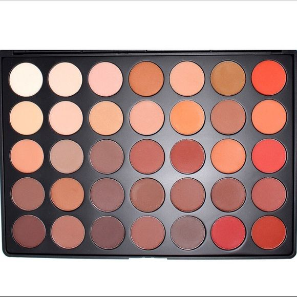 ✨NEW MORPHE 350 MATTE NATUREGLOW EYESHADOW PALETTE NEVER TOUCHED. Brand new SOLD OUT palette. Will ship in its original packaging. 35 shades. This palette is an ALL MATTE version of the popular 35O palette. The 35OM is perfect if you love a classic look. The super creamy shades are easy to blend & extremely pigmented. Whether you want to go for a simple everyday look or a complete Hollywood Glam look, you cannot go wrong with this matte palette. I bought it and will probably never use it so…