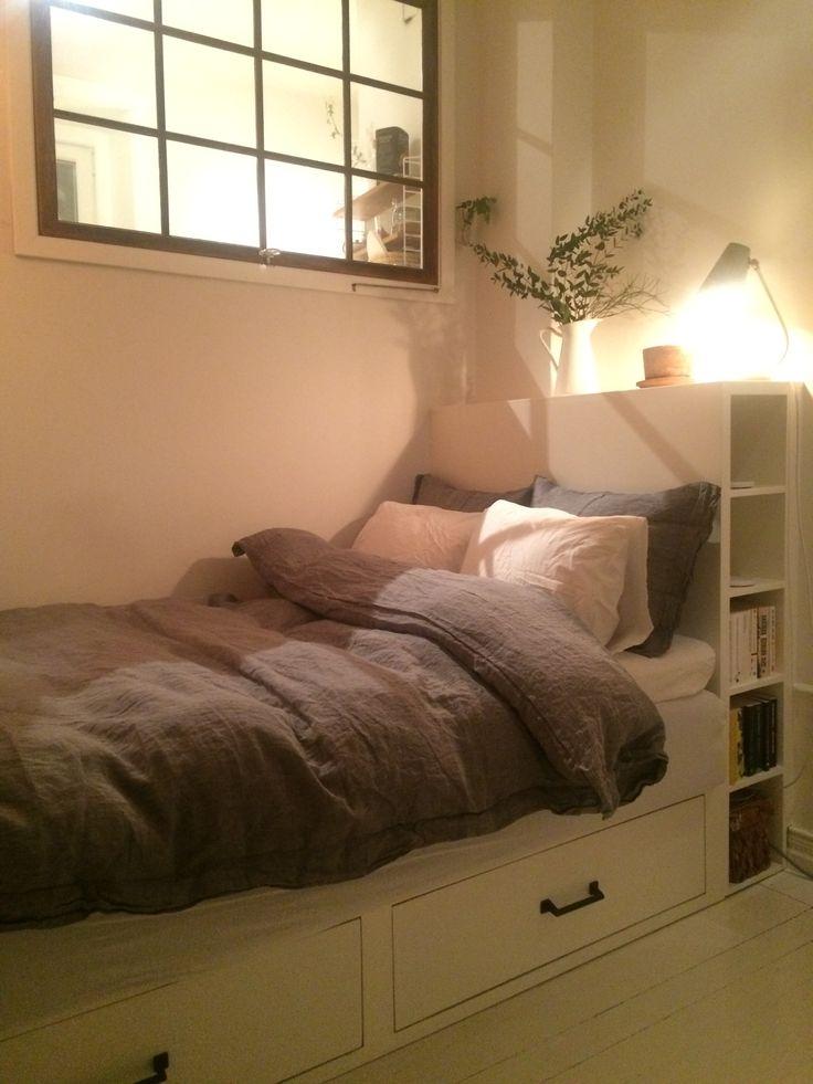 Säng förvaring lådor platsbyggd säng