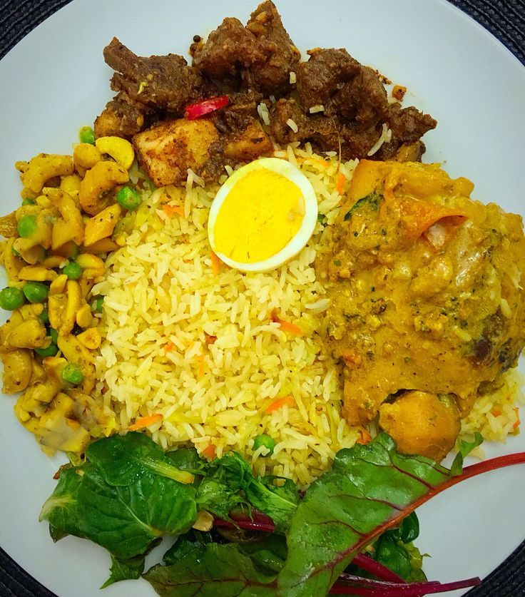 SriLankan feast with mild curries so anyone could enjoy without sweating 😊