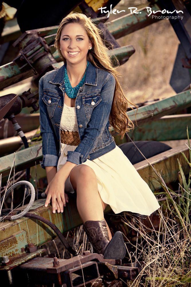 Senior Pictures Ideas For Girls | Senior Portrait Posing Tips For The Girls