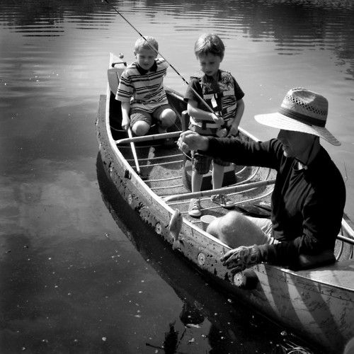 fishing with daddy. Dads spending time with their children - fabulous