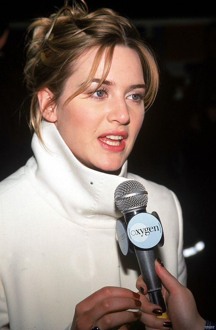 Jan 10: Holy Smoke New York Premiere - holy-smoke-new-york-premiere 011 - Kate Winslet Fan | Photo Gallery | The most exclusive and extensive selection of high-quality images of public appearances, photoshoots, movies and TV series screen captures, magazine scans, candids and a lot more.