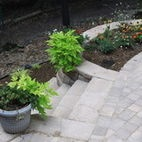 Paver patio with planters