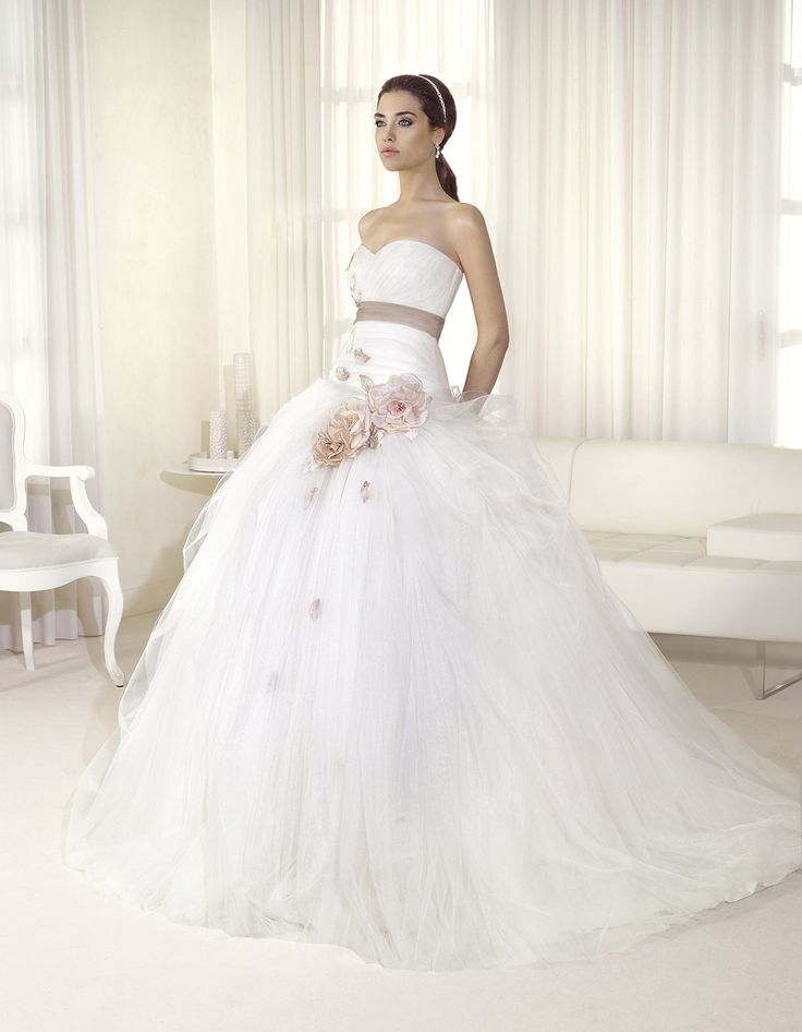 Bridal dress F2031