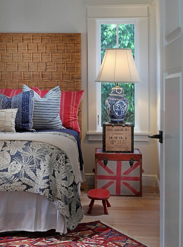 Coastal Bedroom. Classic Blue and white motif bedroom. #CoastalBedroom #BlueandwhiteMotif  MHK Architecture & Planning.