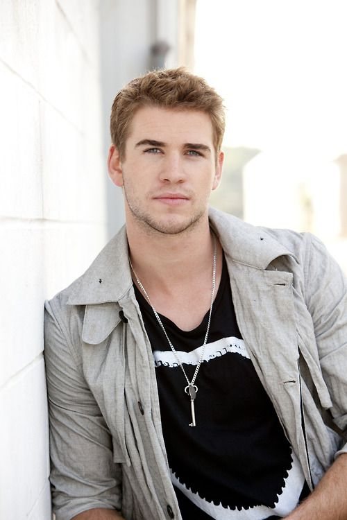Liam Hemsworth, I think he's my new obsession!