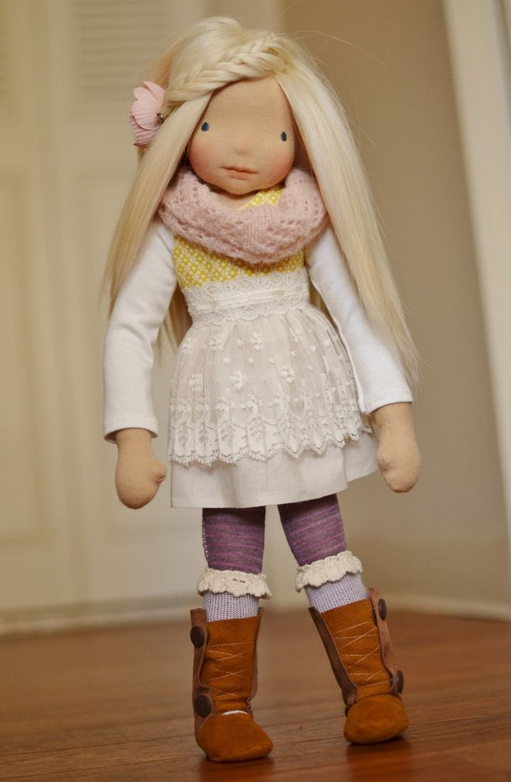 Glimmer Row - Tilda (nfs). I'd love to be able to make dolls like this!