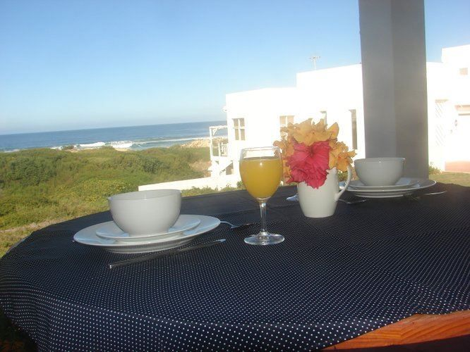 Ascot-tage Cottage - Ascot-tage Cottage is located in Glentana, a seaside town along the Indian Ocean of the Western Cape. The area has wonderful beaches creating lovely sunbathing spots. Beach-goers would be pleased, as the ... #weekendgetaways #greatbrakriver #southafrica