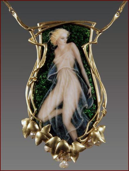 1905 Art Nouveau pendant.