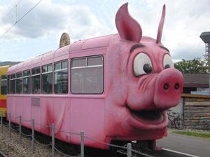 Die Säuli Tram im Schweinemuseum (Stuttgart).