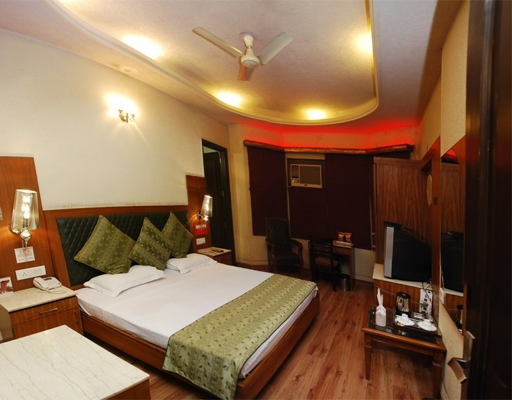 For a leisure tourist there are quite a lot of Boutique Hotels in Delhi that serves with their same level excellence facilities and services