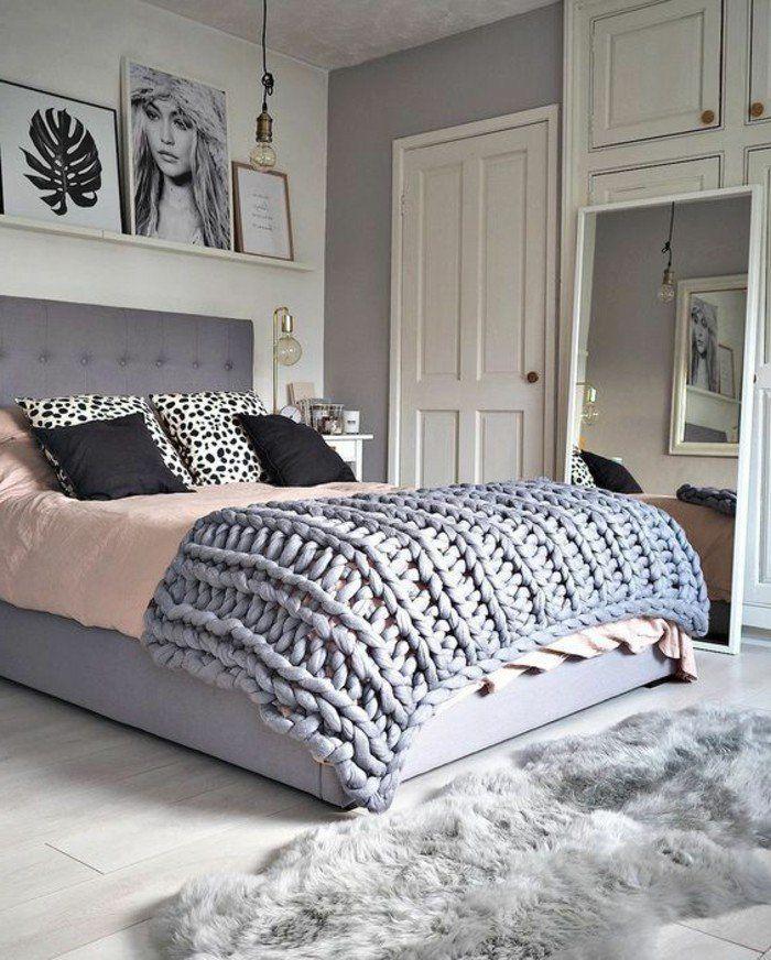 Chambre adulte complete tete de lit gris couverture de lit tricotee couleur gris tapis fourrure gris