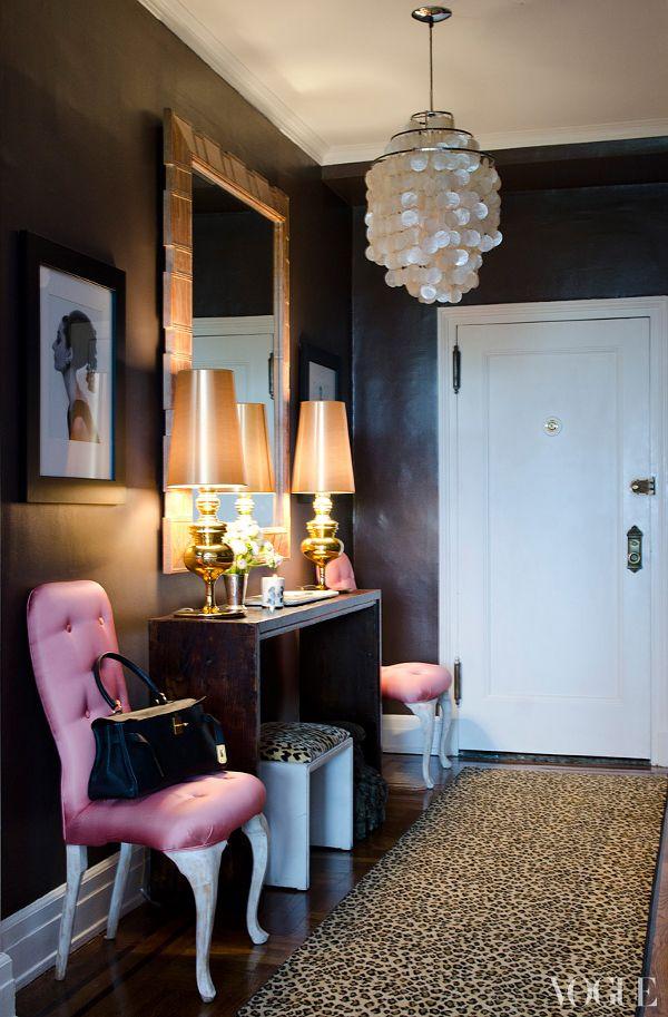Santi's Royal Home: Alina Cho Apartment