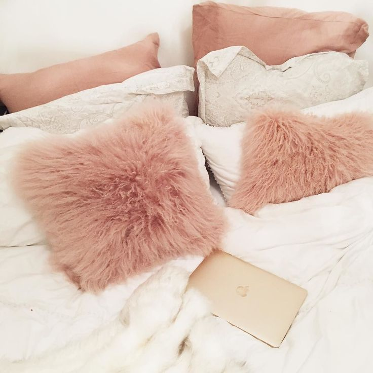 Best 25+ Fluffy pillows ideas on Pinterest | Fur decor, Throw ...