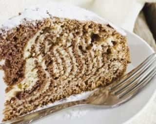 Gâteau zébré à la noix de coco et noisettes
