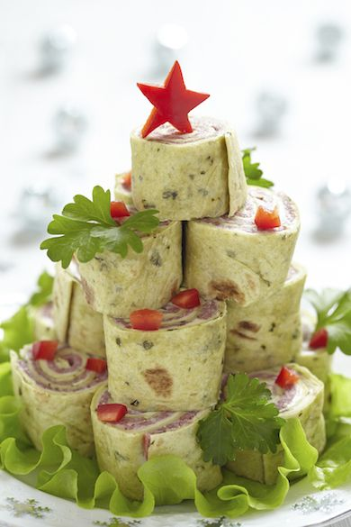Christmas Tree Wrap Wheels | Party Planning Recipes from SaleWhale