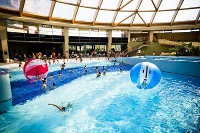 Nyolc élményfürdő országszerte // Top Water Parks in Hungary / Éva Magazin