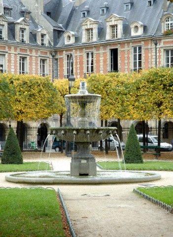 Place des Vosges, my favourite place in Paris, France