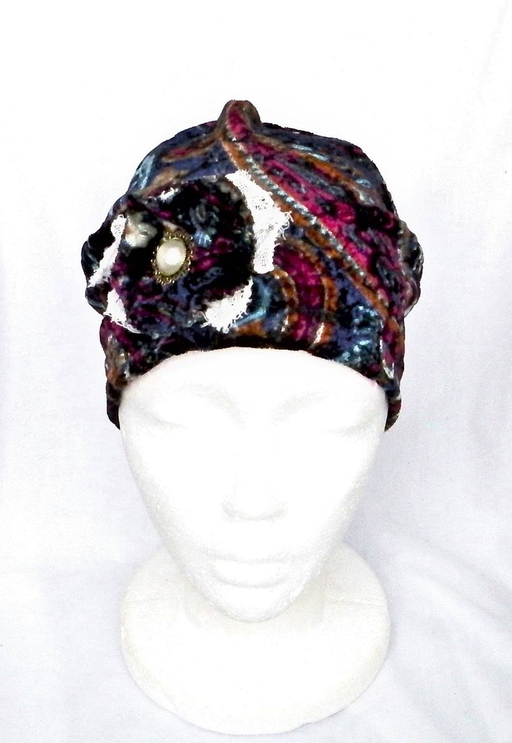 Chemo headwear, berets, beanies,chemo headcovers, chemo hats, chapeaux chimio femmes,bonnets,couvre têtes  by BleukaktusHats on Etsy