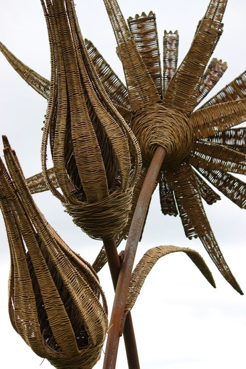 "J & J in the UK - Part One ""The Spectacular Willow Sculpture of Tom Hare"""