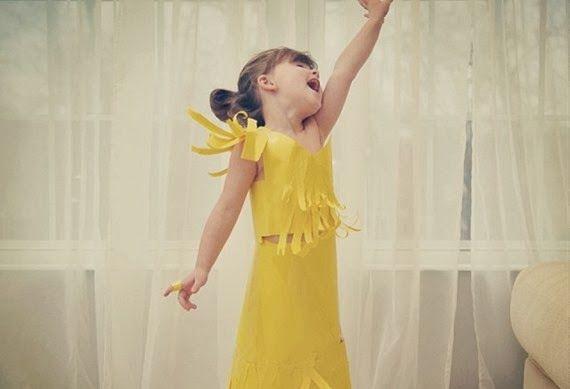 Dando Noh!!!: Menina de 4 anos cria vestidos elegantes