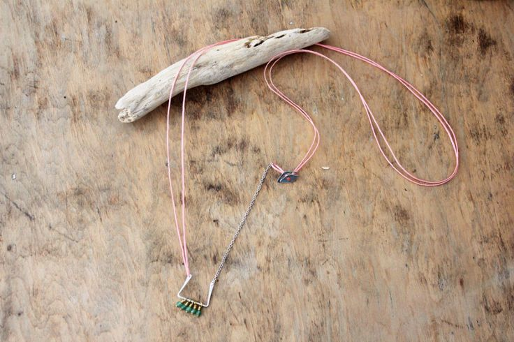 Dainty, long necklace