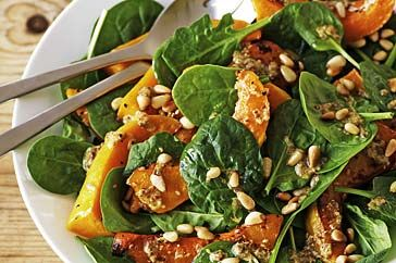 pumpkin and spinach salad - would like to try this with chickpeas instead of sesame seeds