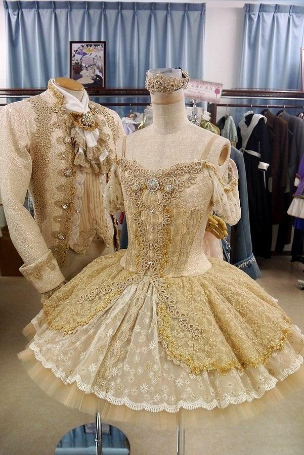 Ameblo Japan www.theworlddances.com/ #costumes #tutu #dance
