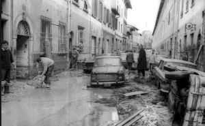 FIRENZE DEVASTATA 1966 - danni, alluvione 4 novembre 1966