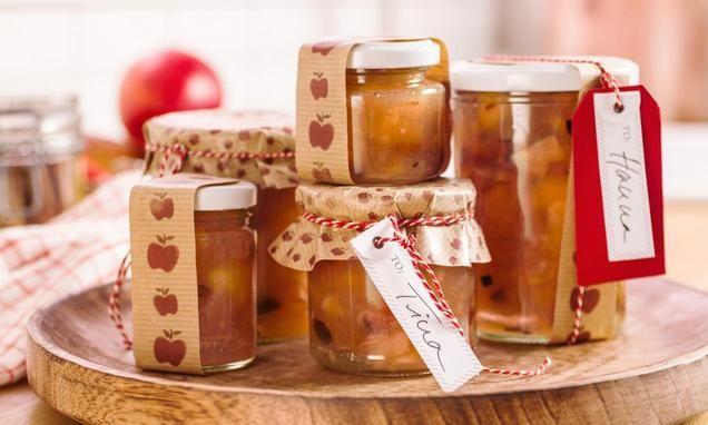 Eine aromatische Konfitüre mit Äpfeln, Zimt, Rosinen und Vanille zum Verschenken