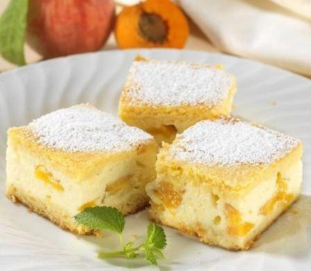 Broskvový koláč se zakysanou smetanou - Recepty na každý den