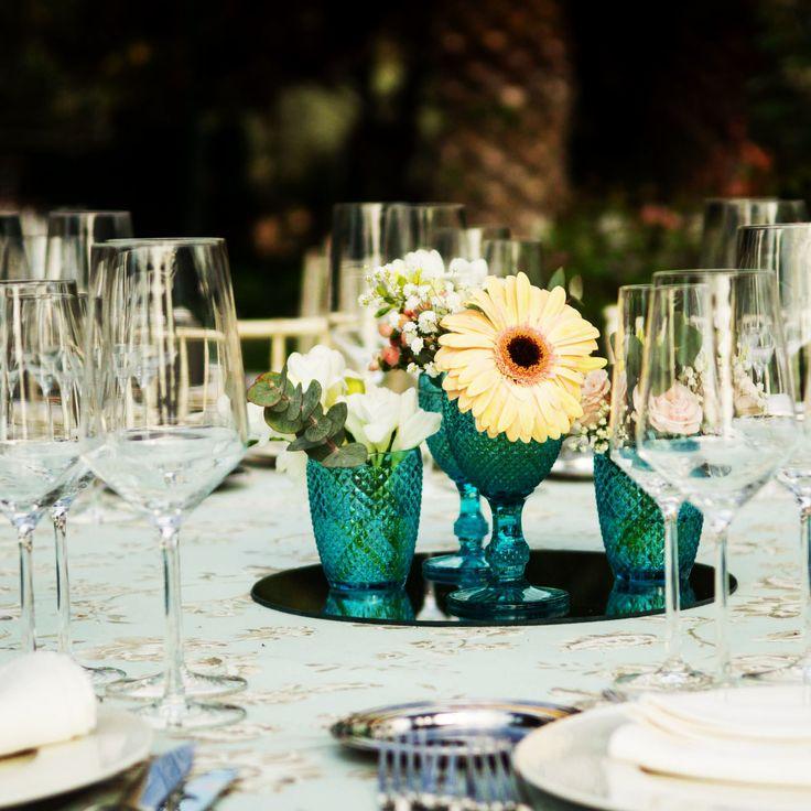 Mantelerías y centros de mesa diferentes en el Cigarral del Ángel, para personalizar al máximo el banquete nupcial.