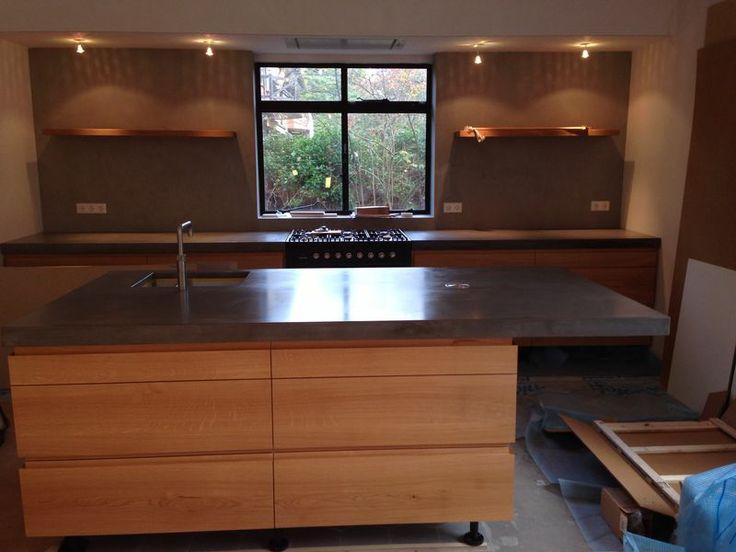 Keuken Eikenhout : Keuken uit eikenhout met beton blad en betoncire wanden, ism Walter